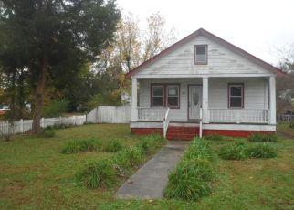 Casa en ejecución hipotecaria in Hampton, VA, 23661,  COTTONWOOD AVE ID: F4324145