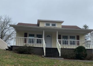Foreclosed Home in VIRGINIA ST, Kingsport, TN - 37665