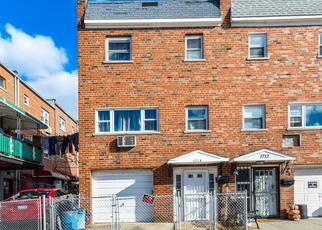 Foreclosed Home en MATTHEWS AVE, Bronx, NY - 10462