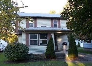 Foreclosed Home en TUDOR AVE, Akron, OH - 44312
