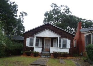 Foreclosed Home en W 39TH ST, Savannah, GA - 31415