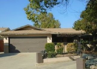 Foreclosed Home en E REDWOOD CT, Tulare, CA - 93274