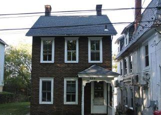 Casa en ejecución hipotecaria in Bethlehem, PA, 18015,  MONTCLAIR AVE ID: F4324645