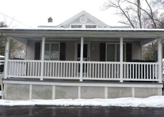 Foreclosed Home en VANDERMARK AVE, Mountain Top, PA - 18707