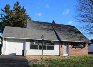 Foreclosed Home en JOLLYBROOK RD, Levittown, PA - 19056