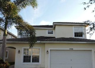 Foreclosed Home en LOMBARD PASS DR, Lake Worth, FL - 33463