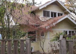 Foreclosed Home in SE CLAIRE ST, Roseburg, OR - 97470