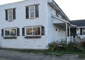 Foreclosed Home in ALDER ST, Yoncalla, OR - 97499
