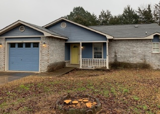 Foreclosed Home in GRAND MAPLE DR, Greenwood, AR - 72936