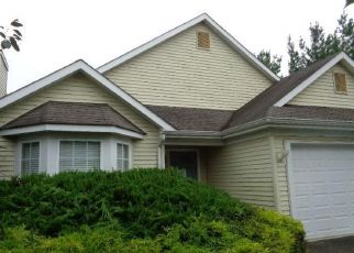 Foreclosed Home in WINDING RIVER RD, Lakewood, NJ - 08701