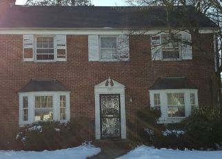 Foreclosed Home in OXFORD DR, Freeport, NY - 11520