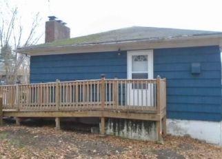 Foreclosed Home en BLYDENBURG AVE, New London, CT - 06320