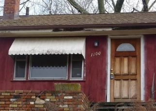 Foreclosed Home in CHOPSEY HILL RD, Bridgeport, CT - 06606