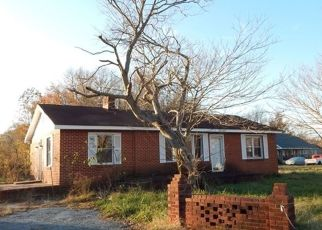 Foreclosed Home in DOWNS CHAPEL RD, Clayton, DE - 19938