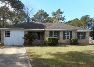 Foreclosed Home in RICHARD LN, Eight Mile, AL - 36613