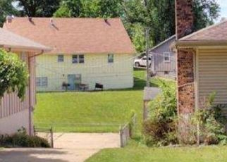 Foreclosed Home en E 55TH ST, Kansas City, MO - 64129