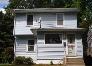 Foreclosed Home en TYLER ST NE, Minneapolis, MN - 55421