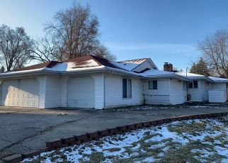 Foreclosed Home in CIRCLE DR, Flint, MI - 48507