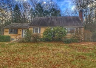 Foreclosed Home en COUNTRY CLUB RD, Avon, CT - 06001