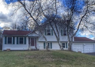 Foreclosed Home en WHITE BIRCH CIR, Bloomfield, CT - 06002