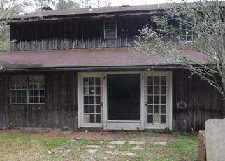 Foreclosed Home in VIOLA ST, Mandeville, LA - 70448