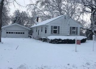 Foreclosed Home en E READER ST, Elburn, IL - 60119