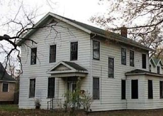 Foreclosed Home in S CAPITOL ST, Pekin, IL - 61554