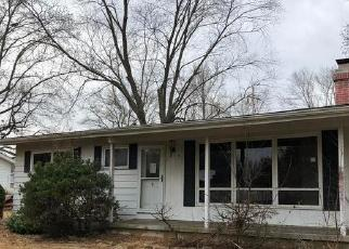 Foreclosed Home in CANDY LN, Murphysboro, IL - 62966