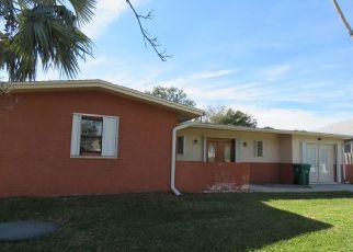 Foreclosed Home en SE BELFAST AVE, Port Saint Lucie, FL - 34983