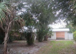 Casa en ejecución hipotecaria in Stuart, FL, 34996,  SE HALL ST ID: F4325613