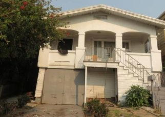 Foreclosed Home en E 22ND ST, Oakland, CA - 94606