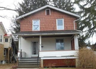 Foreclosed Home en W FIR ST, Hollidaysburg, PA - 16648