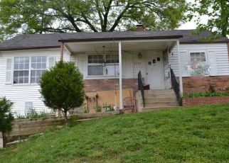 Foreclosed Home en JENIFER PL, Riverdale, MD - 20737