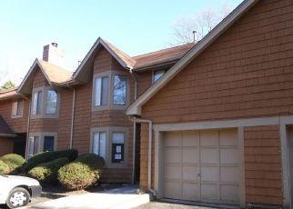 Foreclosed Home in DELAWARE TRL, Lakewood, NJ - 08701