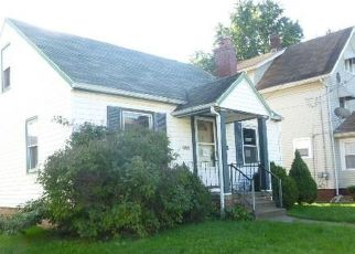 Foreclosed Home en WERTZ AVE SW, Canton, OH - 44710