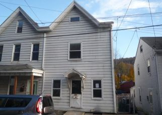 Foreclosed Home en FRONT ST, Pottsville, PA - 17901