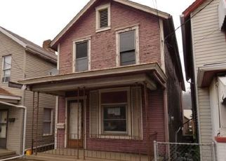 Foreclosed Home en MCKEAN AVE, Charleroi, PA - 15022