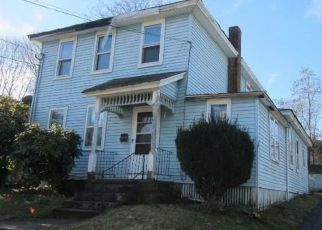 Foreclosed Home en MOUNTAIN ST, Willimantic, CT - 06226