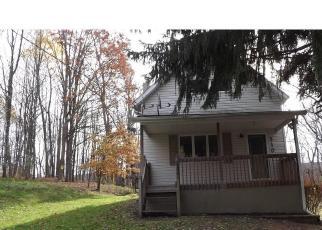 Casa en ejecución hipotecaria in Clarks Summit, PA, 18411,  GRIFFIN POND RD ID: F4326241