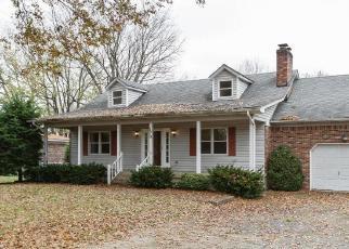 Foreclosed Home in WINDWARD WAY, Shepherdsville, KY - 40165
