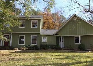 Foreclosed Home in MOUNTAIN LAKE CIR, Rainbow City, AL - 35906