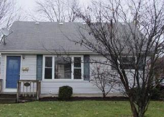 Foreclosed Home en THORNWOOD ST, Elyria, OH - 44035
