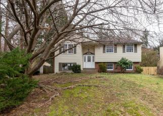 Foreclosed Home en HILLCREST DR, Doylestown, PA - 18901