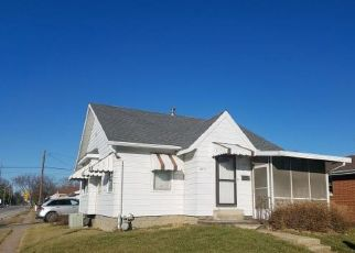 Foreclosed Home en E CONVERSE AVE, Springfield, IL - 62702