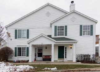 Foreclosed Home en FIELDCREST DR, South Elgin, IL - 60177