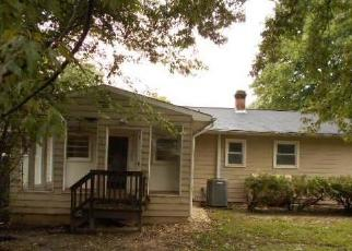Foreclosed Home en MARTIN ST, Bowling Green, VA - 22427