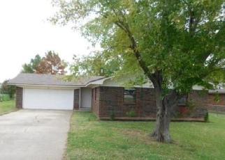 Foreclosed Home in BRAKEFIELD DR, Wayne, OK - 73095