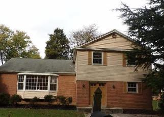 Foreclosed Home en SADDLEBROOK DR, Silver Spring, MD - 20906
