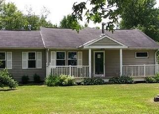 Foreclosed Home en JACKSON DR, Burton, OH - 44021