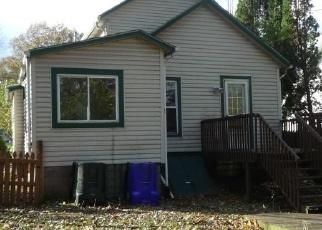 Foreclosed Home en OAKWOOD ST, Ravenna, OH - 44266